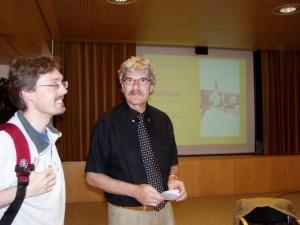"""Kurt Gameter (rechts) im Gespräch mit dem Redaktor vom """"Zürinord"""" R. Suter"""
