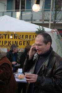 """Der """"Kulturchef"""" des QV organisiert. Ramon hat seine Feuertaufe bestanden und den Weihnachtsmarkt erfolgreich zu ersten Mal organisiert."""